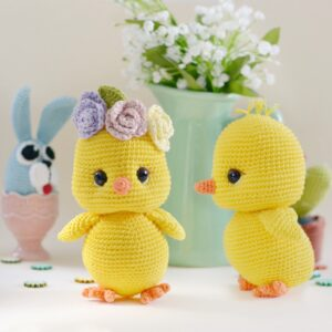 Cherry the chick amigurumi crochet pattern, stuffed chick